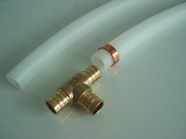 Монтаж трубы из сшитого полиэтилена